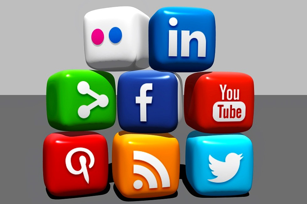 {Infographic} 9 Social Media Benefits for Your Small Business